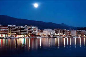 Night view of the seafront of Volos